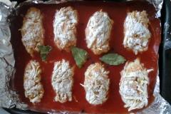 Задить ленивые голубцы томатным соусом