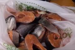 разделываем рыбу на стейки