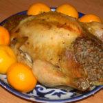 Курица фаршированная гречкой и запеченная в духовке целиком
