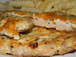 Свинина в духовке под сыром и яйцом