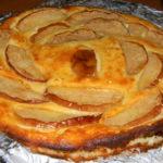 Вкусная творожная запеканка с яблоками в духовке