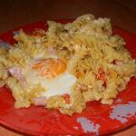 Макароны с сыром и яйцом