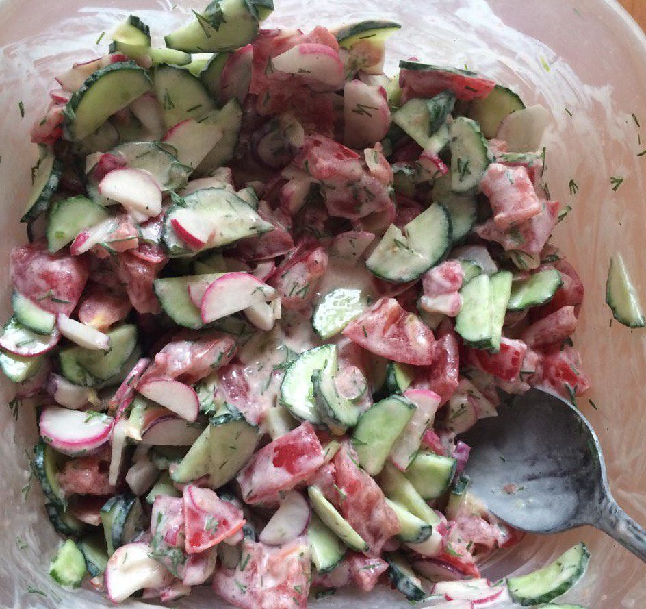 Салат из огурцов и помидор - вкусный рецепт к шалыкам