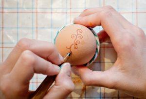 Расписываем яйца