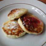 Классический рецепт сырников из творога на сковороде