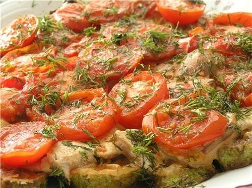 kabachki s gribami i tomatom