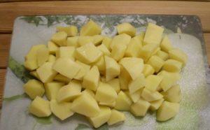 kartofel-kusochkami
