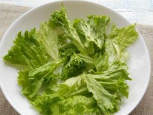 http://mirvkysa.ru/wp-content/uploads/2017/09/grecheskiy-salat-s-suharikami-26.jpg