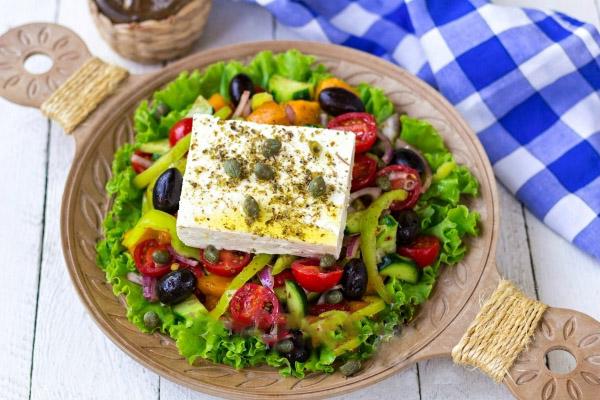klassicheskiy-grecheskiy-salat 4
