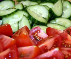 ogurci-i-pomidori-lomtikami