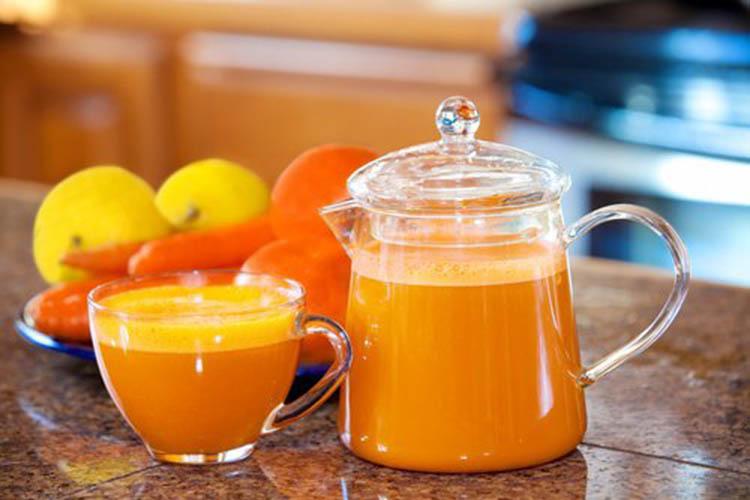 sok-iz-mandarina-morkovi-greypfruta 2