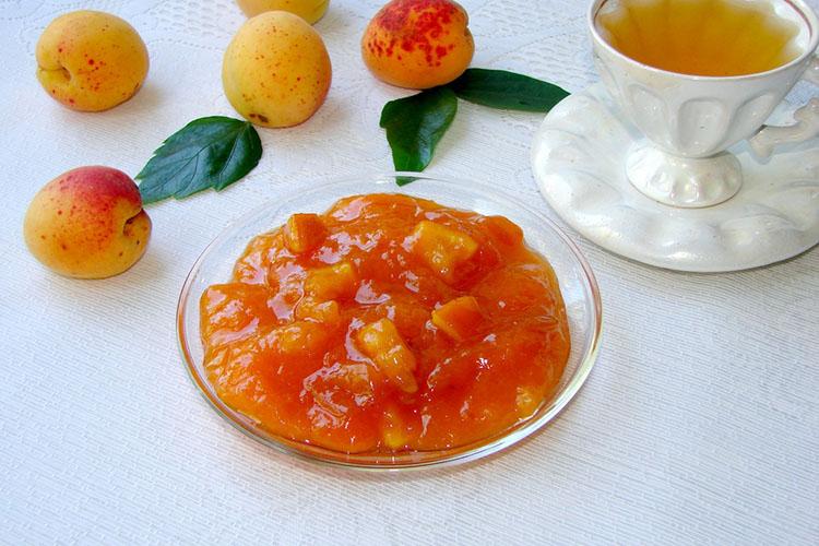 varene-iz-abrikosov-s-yadryshkami-i-apelsinom 9