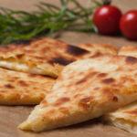 Хачапури с сыром — 5 вкусных пошаговых рецептов с фото в домашних условиях
