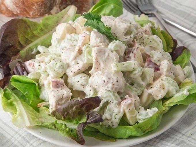 Что приготовить на 23 февраля?</p> <p> Быстрые и недорогие салаты на скорую руку - рецепты с фото